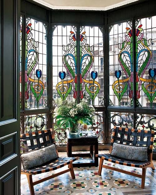 stained-glass-decor-ideas-for-indoor-and-outdoor-home-decor-14